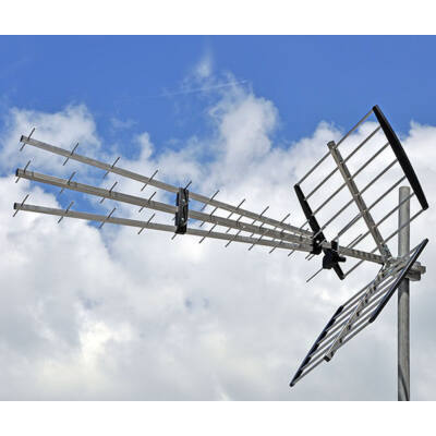 ISKRA P47N Tripex UHF Yagi antenna 11-17 dBi